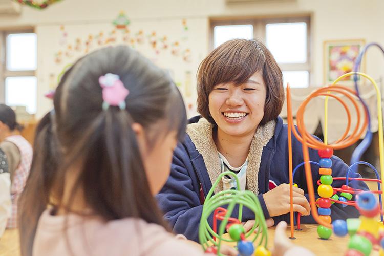 「地域の中で大きく育つ」をテーマに、子どもたちの豊かな心と生きる力を育むおうぎの森保育園!|幼稚園教諭|正社員