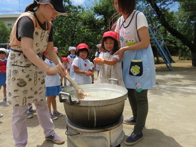リトミック教育実施!恵まれた自然環境の中で子どもたちとたくさんの体験ができます♪