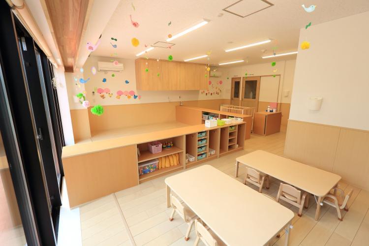 【1日4h~OK!!】☆0-2歳児/定員12名☆イキイキ!ワクワク!働ける職場です◎