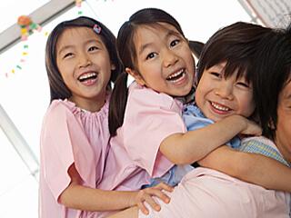 【保育士資格必須】奈良市☆バス停徒歩すぐ!家庭的☆完全週休2日!のびのび保育園♪*。+